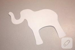 Yapılış aşamalarıyla kumaşan Fil