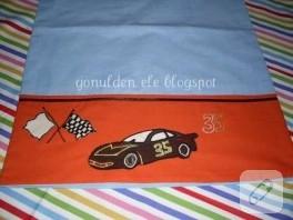 yarış arabası aplikeli yastık