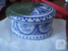 seramik mi diyim, porselenmiii neyse boyadım işte gelin bakın:)