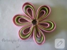 Şeritlerden çiçek yapımı…