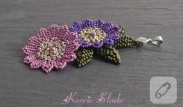 boncuk örme çiçek:)