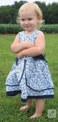 Minik Kızlara Elbiseler..