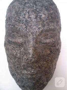 kağıt hamurundan maske