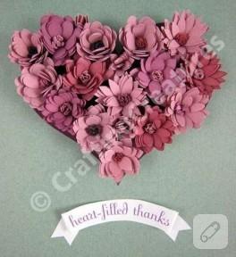 Çiçeklerden kalpler…