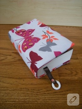 Kumaş kitap kabı