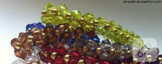 Renkli bileklikler
