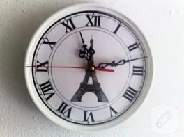 Boya kapağından dekoratif saat