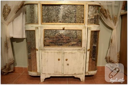 eski-vitrini-dekoratif-boyama-ile-yenileme-calismasi-kendin-yap-1