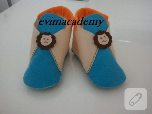 Keçe ev ayakkabısı