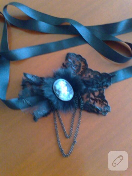 Fransız dantelli siyah elbise
