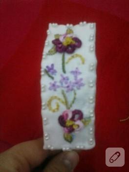 İşlemeli çiçekli taç