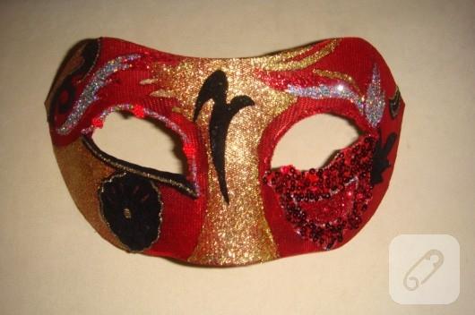 Yılbaşı maskesi