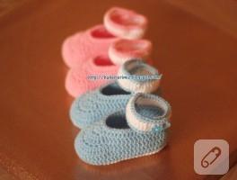 Tığ işi bebek patiği yapılışı (bilekten bağlamalı)