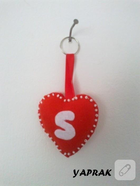 Keçe kalp anahtarlık
