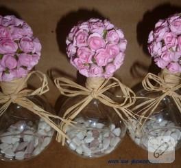 Pembe çiçek toplarım