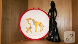 Anne zürafa ve yavrusu (etamin)