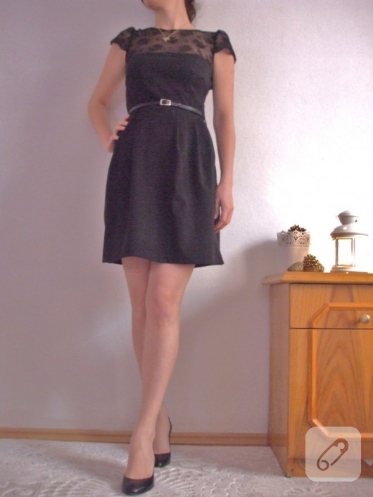 Dantelli elbise