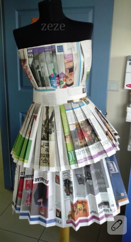 Eski gazetelerden elbise