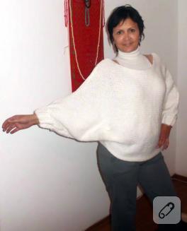 Yarasa kollu, düşük omuzlu panço kazak