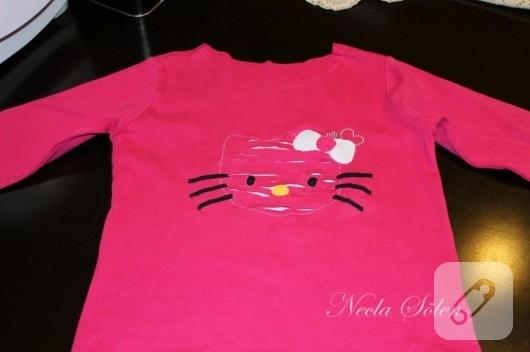 Hello Kitty'li tişört