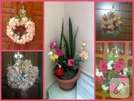 Yapay çiçeklerden kapı süsü yapımı