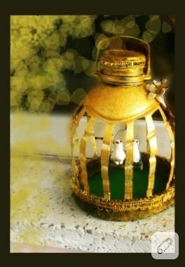 Su şişesinden altın kafes