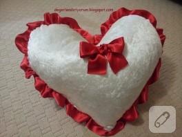 Romantik kalp yastık