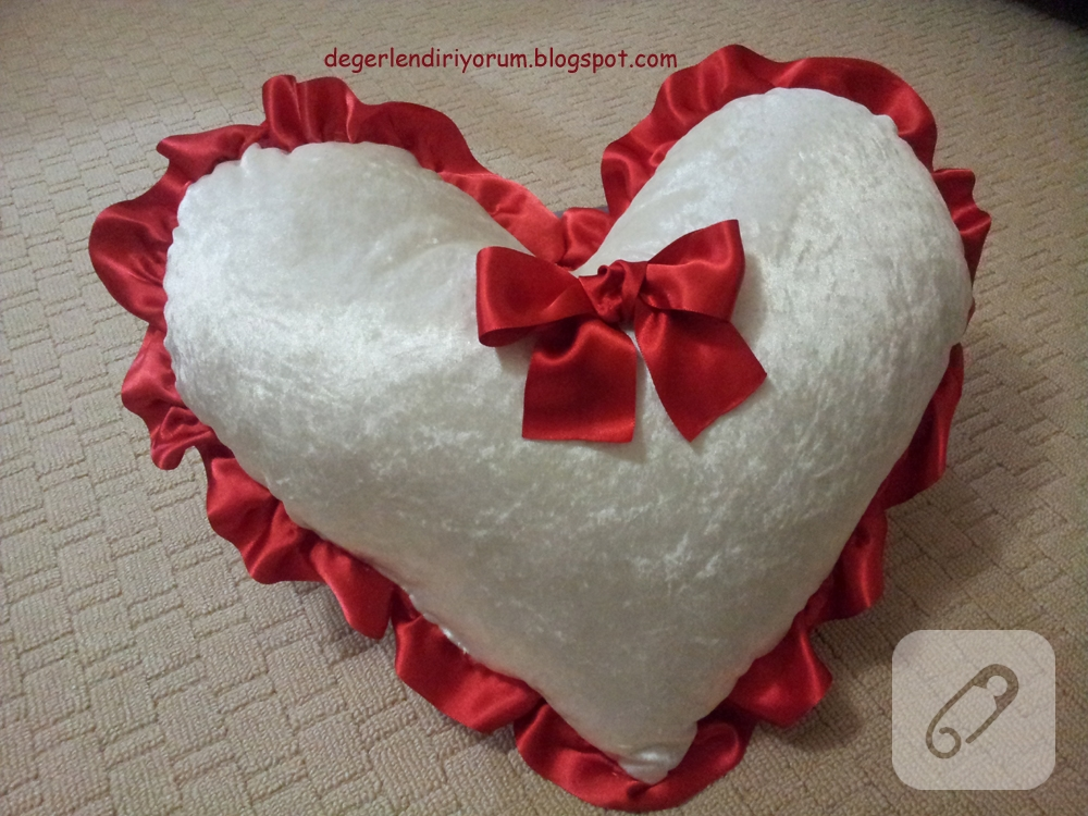 kalp-yastik-heart-pillow