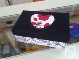 Sevgililer günü için hediye kutusu