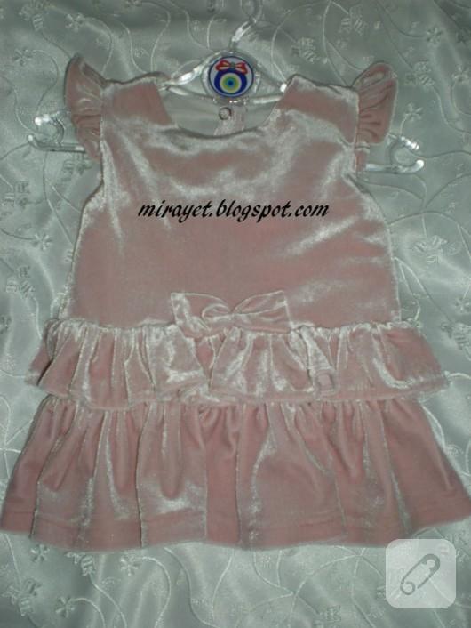 Kadife bebek elbisesi