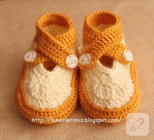 capraz-bagcikli-turuncu-beyaz-bebek-patigi-modeli-1