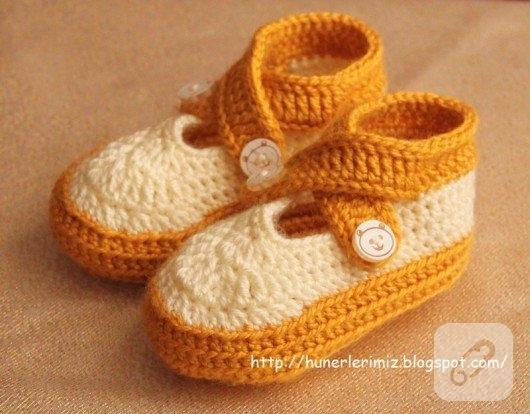 capraz-bagcikli-turuncu-beyaz-bebek-patigi-modeli