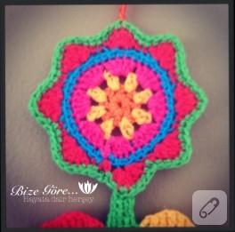 Dekoratif çiçek (tığ işi)