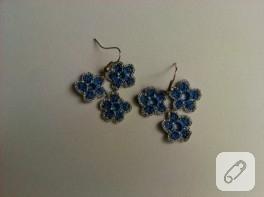 Mavi minik çiçekli küpe yaptım