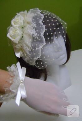 Ekru dantelli ve puantiyeli nikah şapkası ve gelin eldiveni