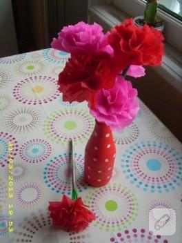 Vazom ve kağıt çiçeklerim