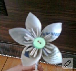 Kağıttan çiçek (anlatımlı)