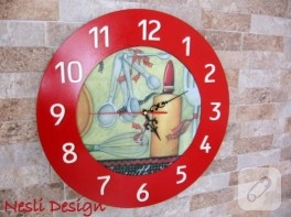 Kırmızı ahşap boyama mutfak saati