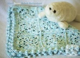 Mavi beyaz tığ işi bebek battaniyesi