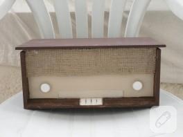 Ahşap boyama eski radyo