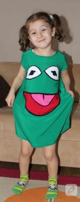 Kermit olmaya özenmek (çocuk kostümü)