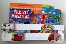Meyve kasasından çocuk kitaplığı
