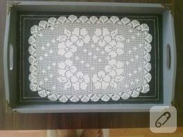 Çiçekli dantel tepsi örtüsü