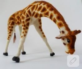 Keçe iğneleme zürafa