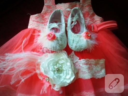 Dantelli bebek ayakkabısı
