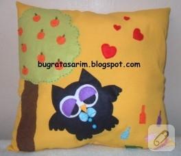 Keçe baykuşlu dekoratif yastık