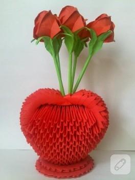 Origami kalpli vazo