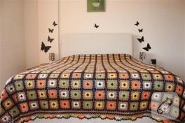 Motifli yatak örtüsü