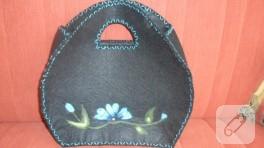 Kenarı iğne işi süslemeli keçe çanta