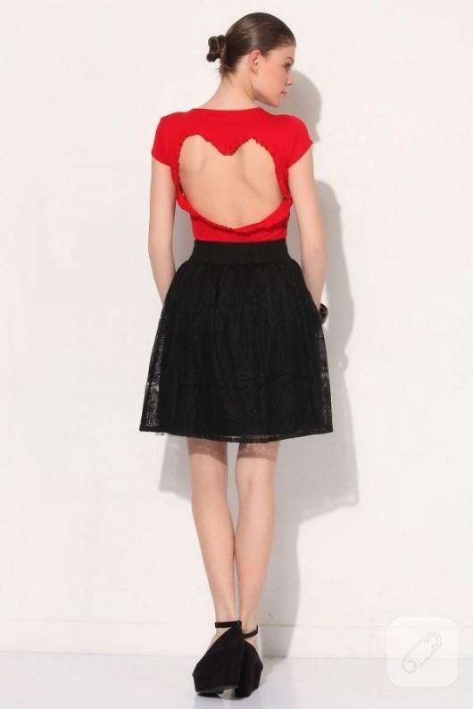 Kalp sırt dekolteli tişört